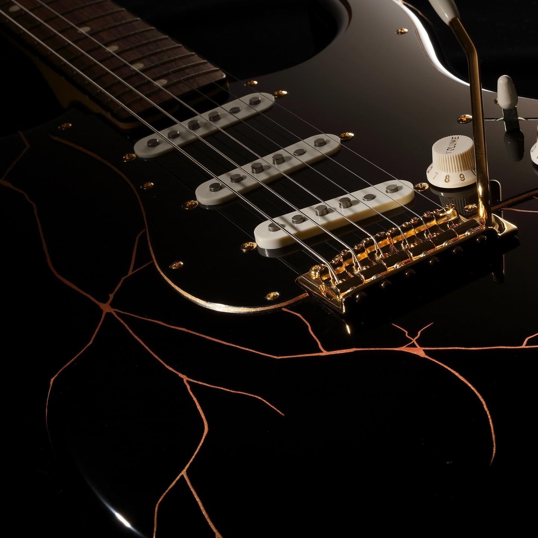 Fender × MISOLA japan arts and crafts  漆塗りギターリリース